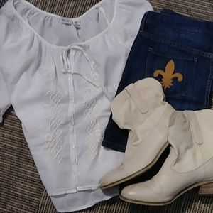 White Emboidered Boho Cotton MUDD Blouse EUC XL
